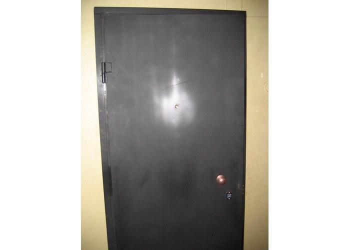обычная железная дверь листовая
